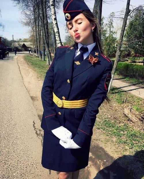ロシアの婦警さんの画像(3枚目)