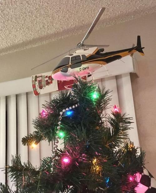 カオスなクリスマスツリーの上の飾りの画像(26枚目)