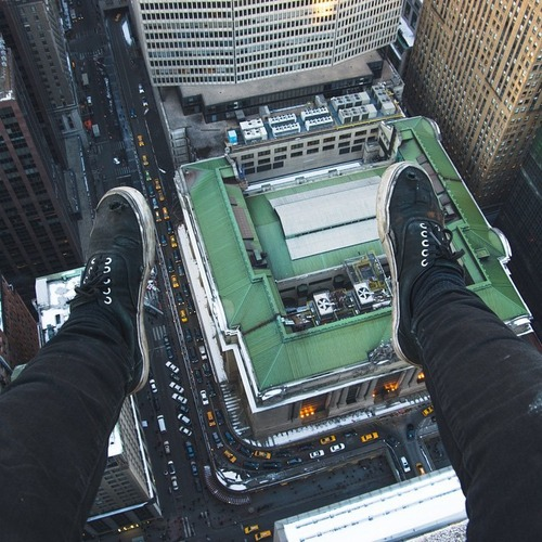 とりあえず高い所に来たので記念撮影をした写真が高すぎて本当に怖いwwの画像(20枚目)