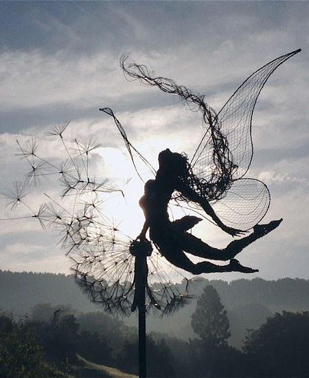 【画像】生きてるみたい!針金で再現された妖精が凄い!!の画像(12枚目)