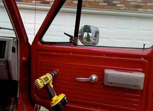 【画像】修理方法が驚異的に雑すぎて、凄いことになってる自動車の数々!!の画像(9枚目)