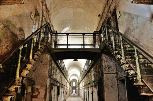 【画像】ペンシルバニアの州立刑務所が不気味で美しい…の画像(14枚目)