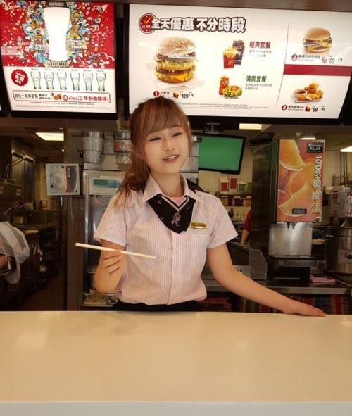 台湾のマクドナルドの女の子が!凄まじく可愛い!!の画像(7枚目)