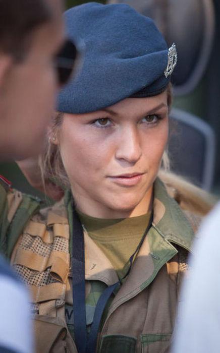 (美人が多目)働く兵隊の女の子の画像の数々!の画像(16枚目)