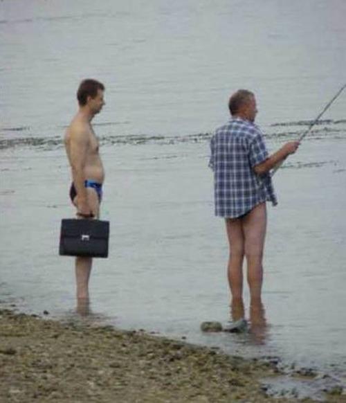 カオスなところで釣りをしている人達の画像(9枚目)