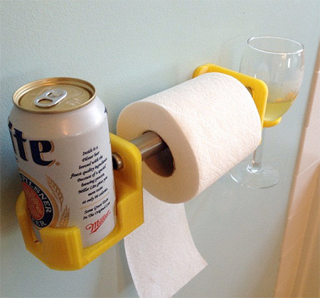 トイレでお酒が飲めるドリンクホルダーの画像(2枚目)