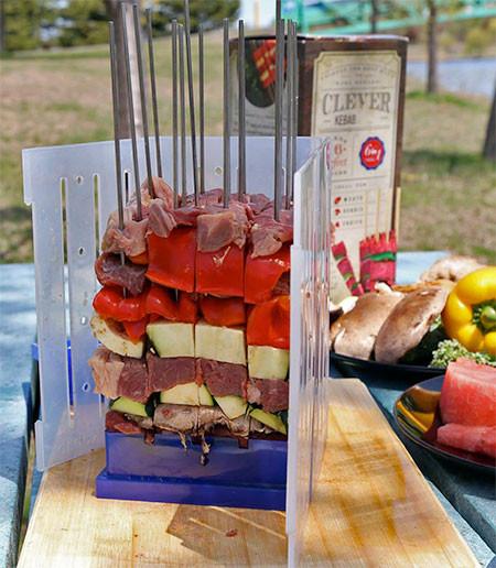 バーベキューの串焼き肉の画像(7枚目)