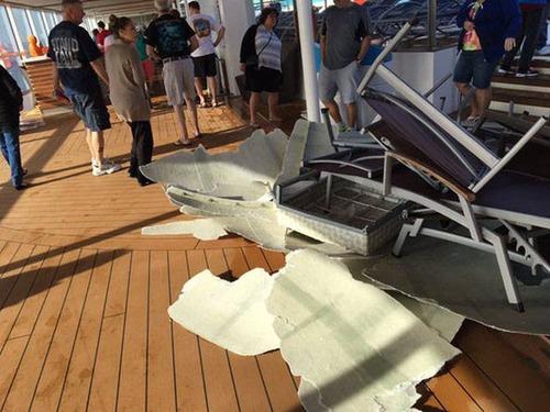 全長348mの超巨大船「アンセム・オブ・ザ・シーズ」の台風の被害が悲惨すぎる!!の画像(8枚目)