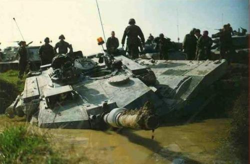 戦車が事故の画像(7枚目)