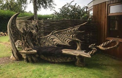 ドラゴンのベンチの画像(6枚目)