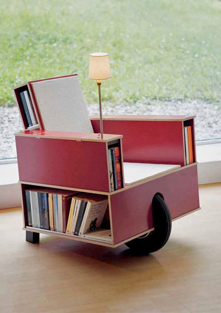 移動できる本棚付きの椅子の画像(4枚目)