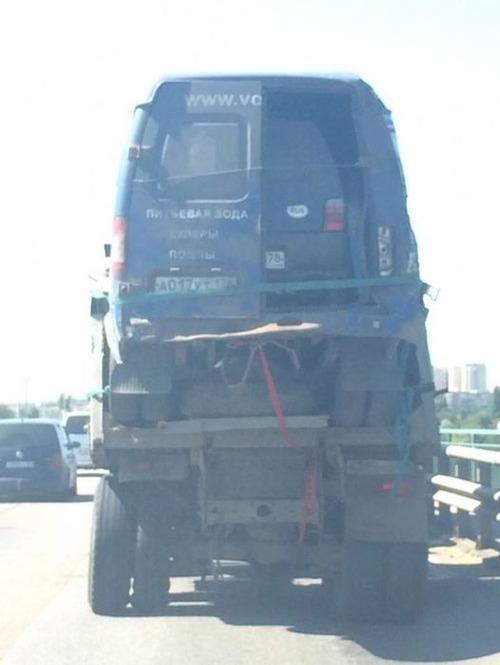 運搬している自動車の画像(9枚目)