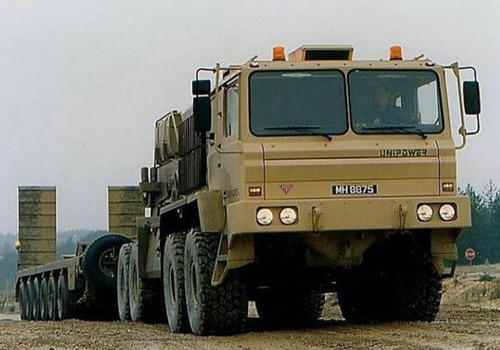 戦車が運べる超大型キャリアカーの画像(3枚目)