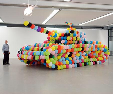 風船でできた戦車の画像(8枚目)
