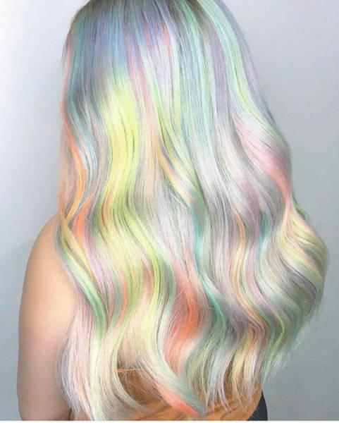 虹のような髪の毛の女の子の画像(27枚目)