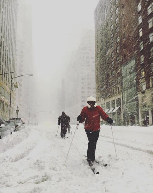【画像】大雪のニューヨークで日常生活が大変な事になっている様子!の画像(17枚目)