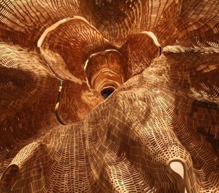 巨木の彫刻07