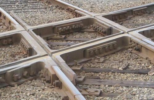 電車と電車の交差点の画像(4枚目)