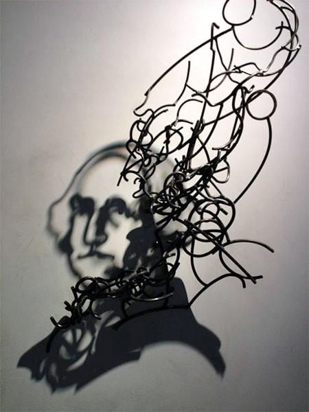 【画像】針金クネクネ!針金の影を使ったアートが凄い!!の画像(5枚目)