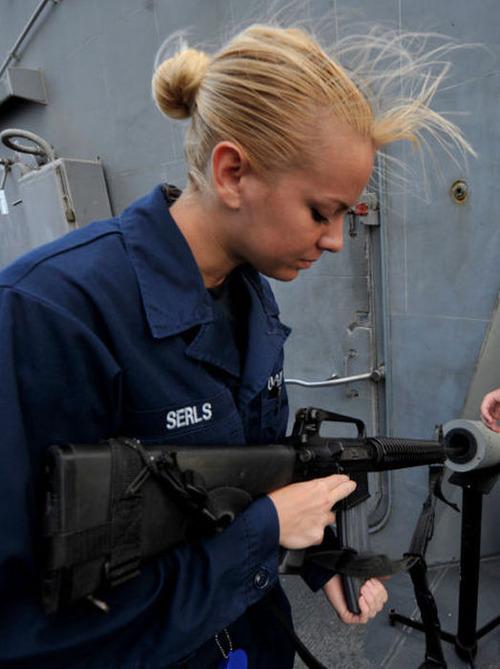(美人が多目)働く兵隊の女の子の画像の数々!の画像(1枚目)