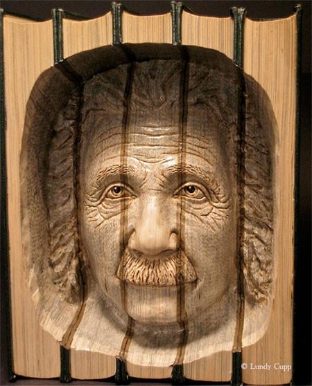 【画像】本の中に人の顔!本を使った彫刻のアートが凄い!!の画像(5枚目)