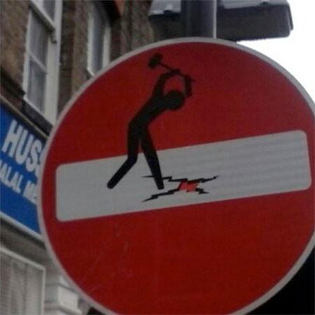 道路標識のストリートアート10