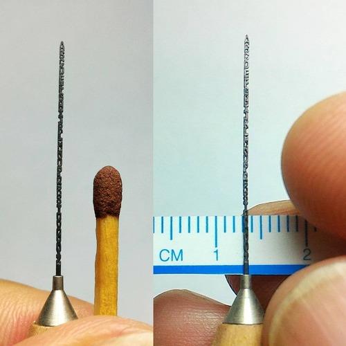 鉛筆の芯の彫刻23