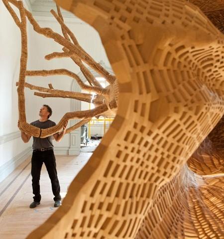 巨木の彫刻05