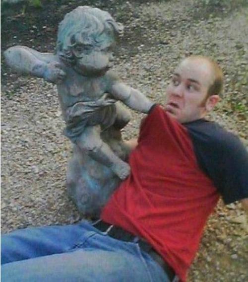 銅像との記念撮影の画像(12枚目)