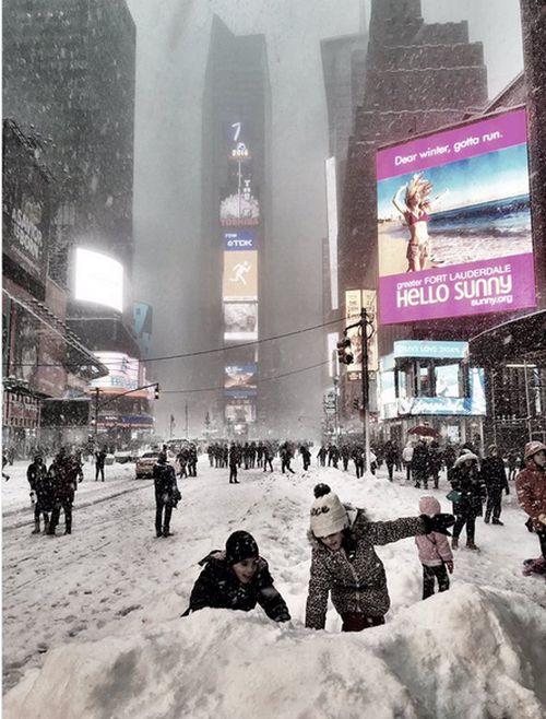 【画像】大雪のニューヨークで日常生活が大変な事になっている様子!の画像(11枚目)