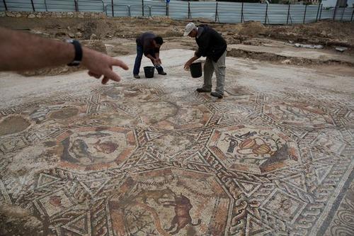 イスラエルで発掘された1700年前の信じられない遺跡の画像(2枚目)