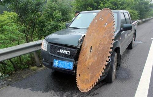 悲惨すぎる自動車のトラブルの画像(21枚目)