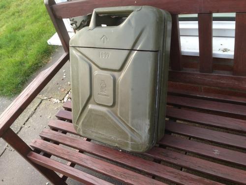 【自作】携帯用のガソリンタンクを利用した携帯用のバーを作る!!の画像(2枚目)