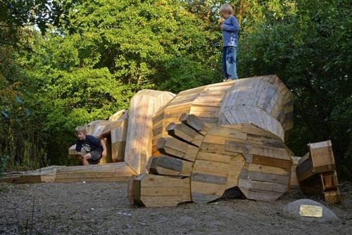 木でできた森の中の巨人の画像(14枚目)