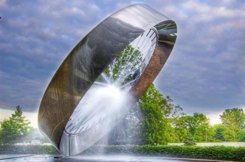 カッコいい噴水の画像(13枚目)