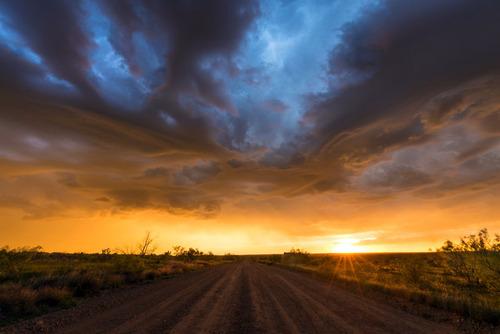 幻想的で恐ろしい!嵐が起こっている空を映した写真の数々!!の画像(11枚目)