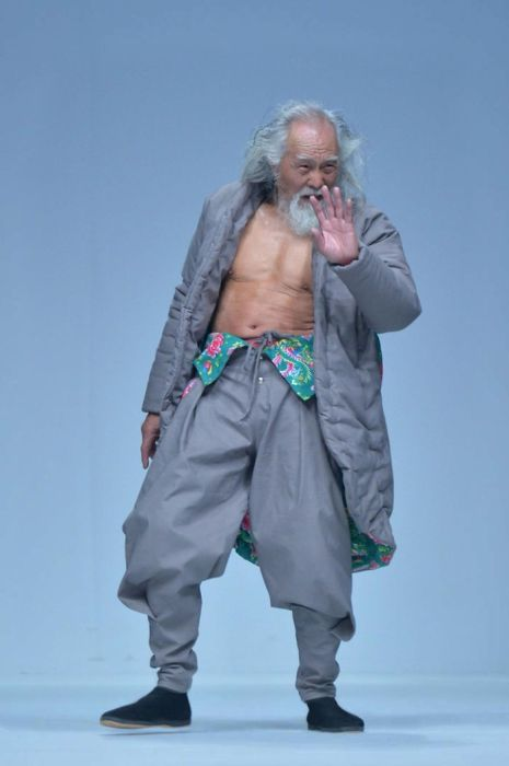 80歳のファッションモデルの画像(4枚目)