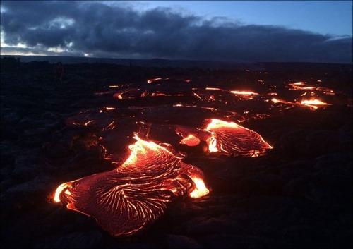 キラウエア火山から海に流込む溶岩の画像(9枚目)