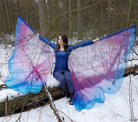蝶や白鳥に見える美しいマントの画像15