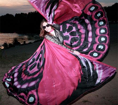 蝶や白鳥に見える美しいマントの画像17