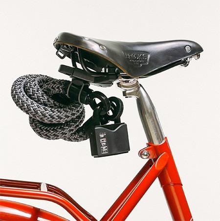 縄でできた自転車のワイヤーロックの画像(1枚目)