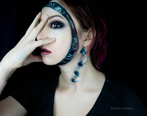 女性のメイクが怖すぎる!化粧のみで怖すぎる女性のメイクの画像の数々!!の画像(1枚目)