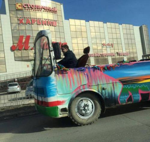 【画像】とりあえず目を引く!かっこ良かったり悪かったりする自動車のカスタム!!の画像(38枚目)
