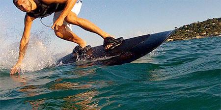 波いらず!最高時速46kmの自走式サーフボードが凄い!!の画像(1枚目)