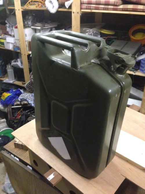 【自作】携帯用のガソリンタンクを利用した携帯用のバーを作る!!の画像(1枚目)