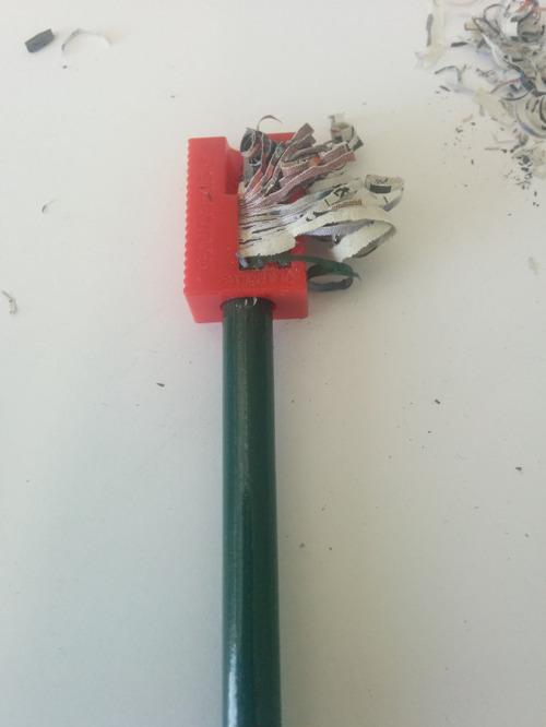 原材料がわかるリサイクルの鉛筆が凄い2