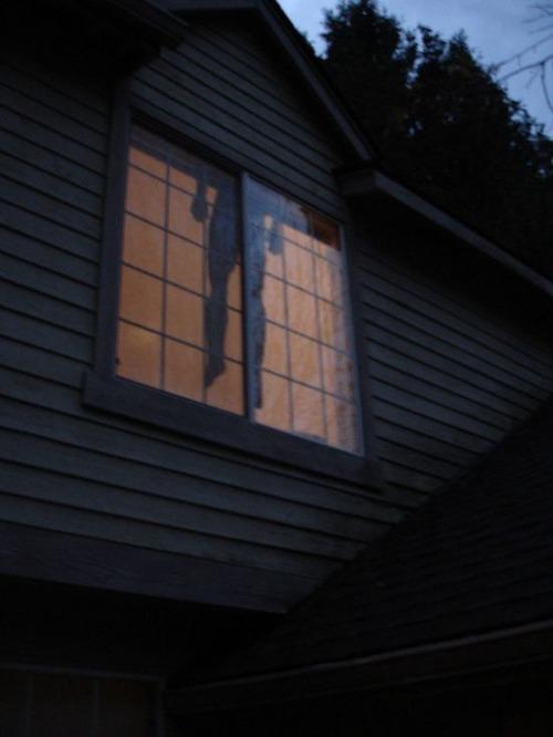 【画像】ちょっと次元の違う怖すぎるハロウィンの装飾の数々!!の画像(11枚目)