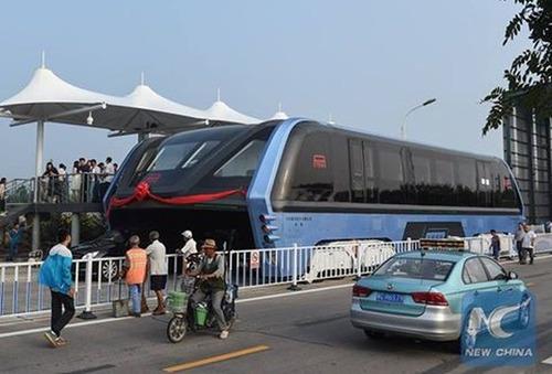 中国のバスがちょっと斬新の画像(3枚目)