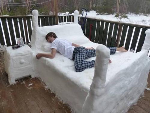 【画像】海外の雪祭りとか色々な雪像がやっぱ海外って感じで面白いwwwの画像(4枚目)