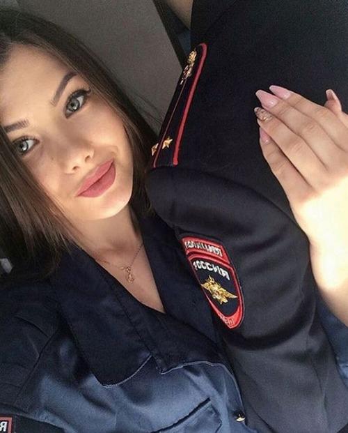 ロシアの婦警さんの画像(11枚目)